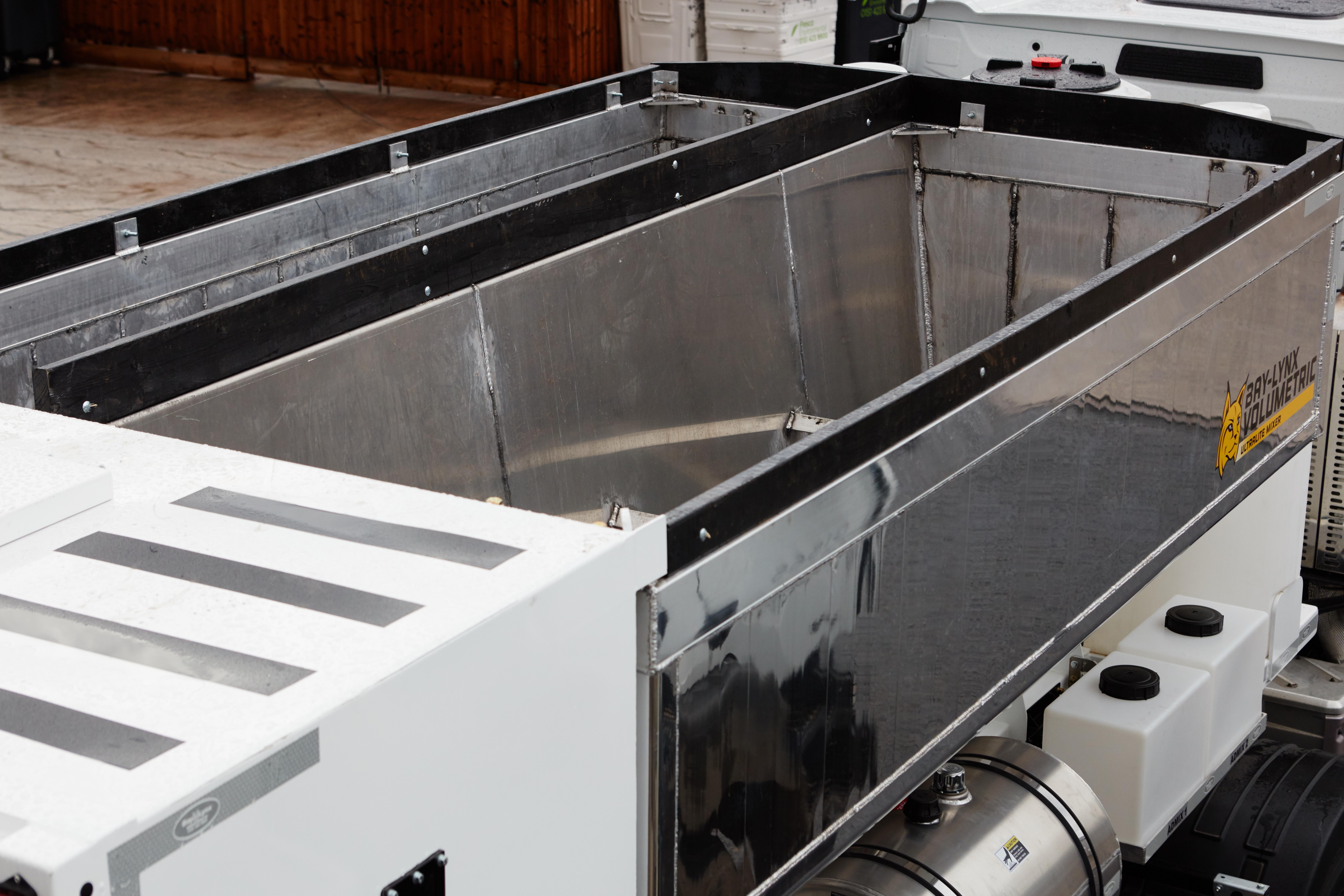 sample all volumetric ultralite lynx mixer inventory truck feeder auger concrete view bay